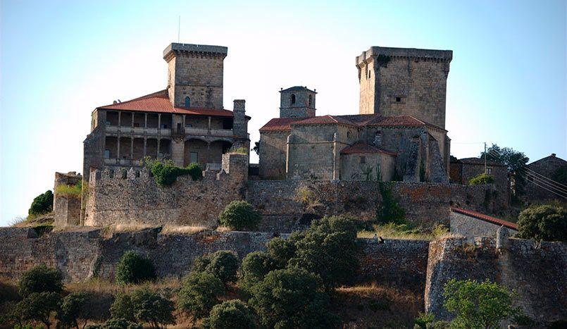 • Castillo de Monterrei en Verin