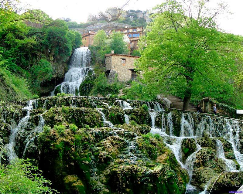 Orbaneja del Castillo. Pueblo medieval de la provincia de Burgos.